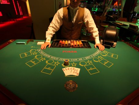 poker players are keen in Blackjack
